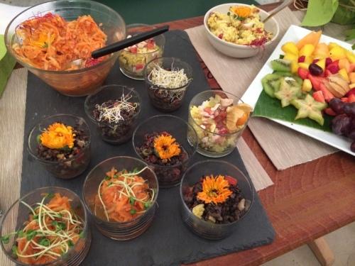 Veganes Buffett mit gesunden Lebensmitteln